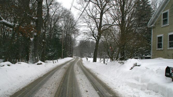 Wiatr i opady śniegu na wschodzie