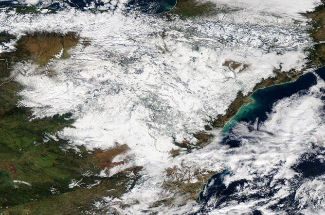 Hiszpania na zdjęciu satelitarnym z 11 stycznia (NASA)
