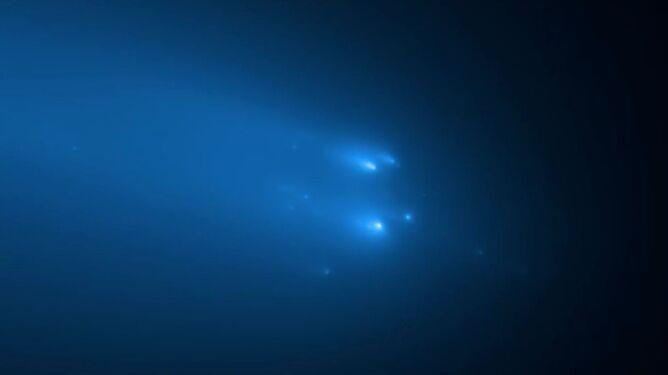 """Na jej przelot czekało wielu. """"Śmierć"""" komety ATLAS uwieczniona przez teleskop Hubble'a"""